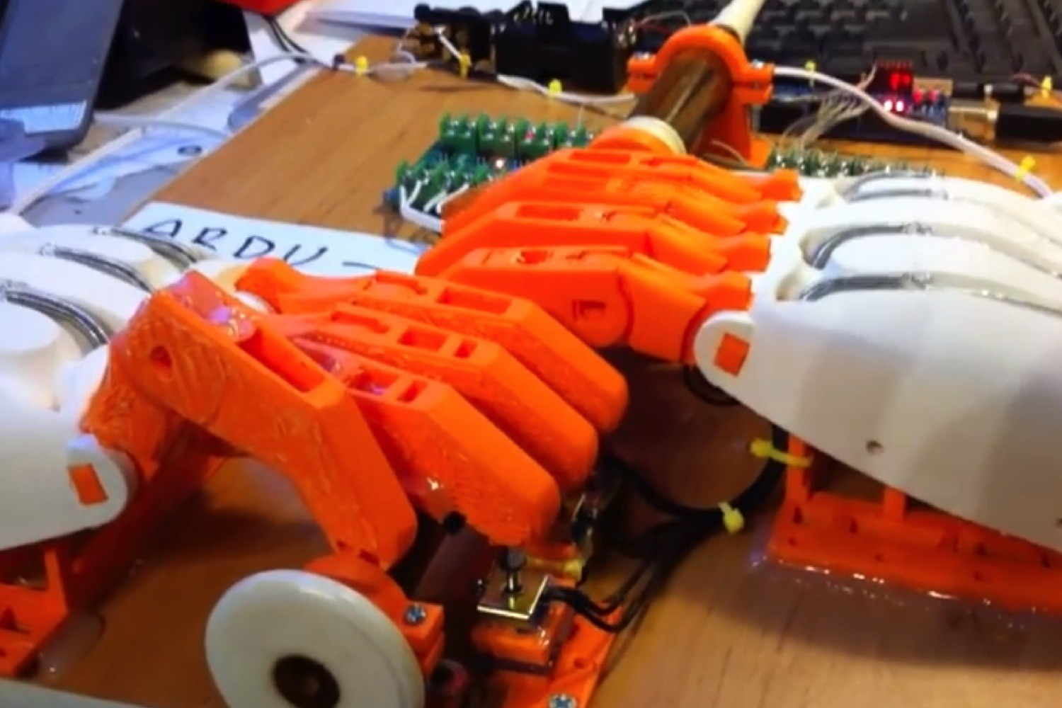 For better or worse, these 3D-printed robot hands play bagpipe-like instrument