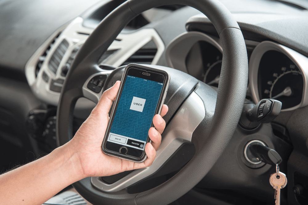 Being an Uber driver is the perfect job for college students … says Uber