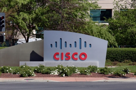 Cisco Systems experiences drop in revenue, earnings in line