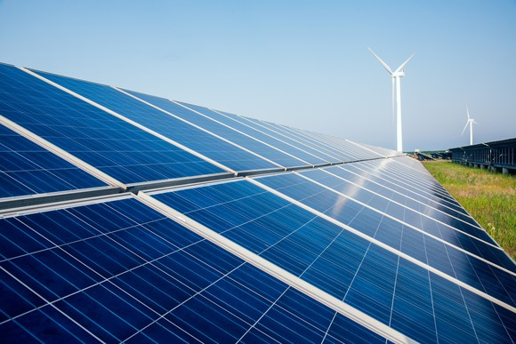 Another Utility Bets Billions on Renewable Energy