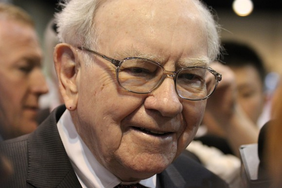 Here Are 953 Million Reasons to Buy Shares of Buffett's Berkshire Hathaway