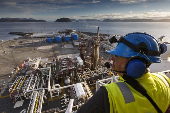 Best Buy: Exxon Mobil, Chevron, or Royal Dutch Shell?