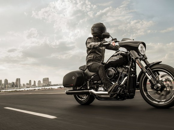 Harley-Davidson's Sports Glide Returns After 25 Years