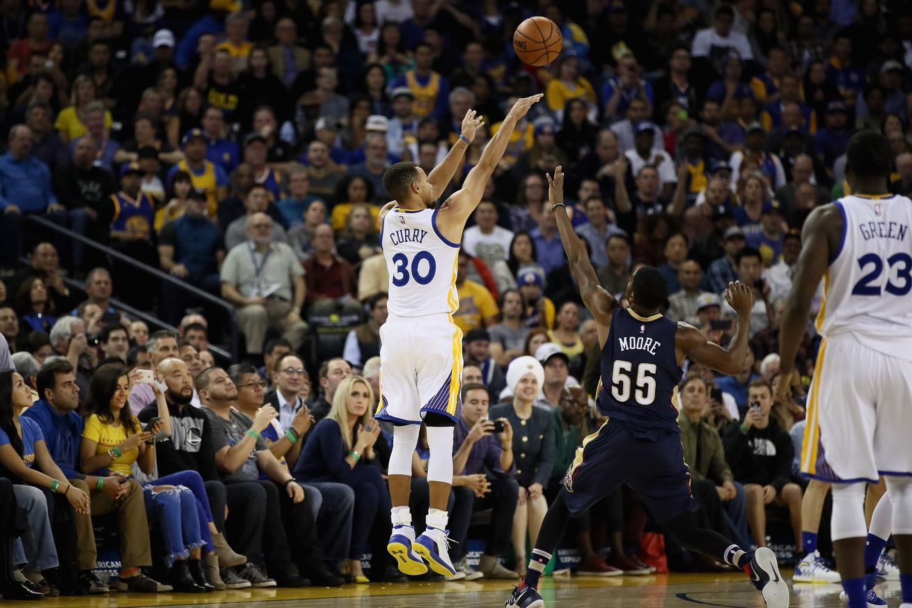 Stephen Curry sets NBA's single-game record for 3-pointers with 13