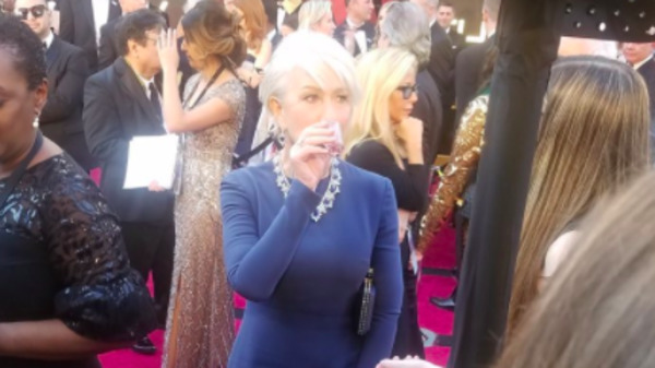 Helen Mirren Took A Tequila Shot On The Oscars Red Carpet Like The Queen She Is