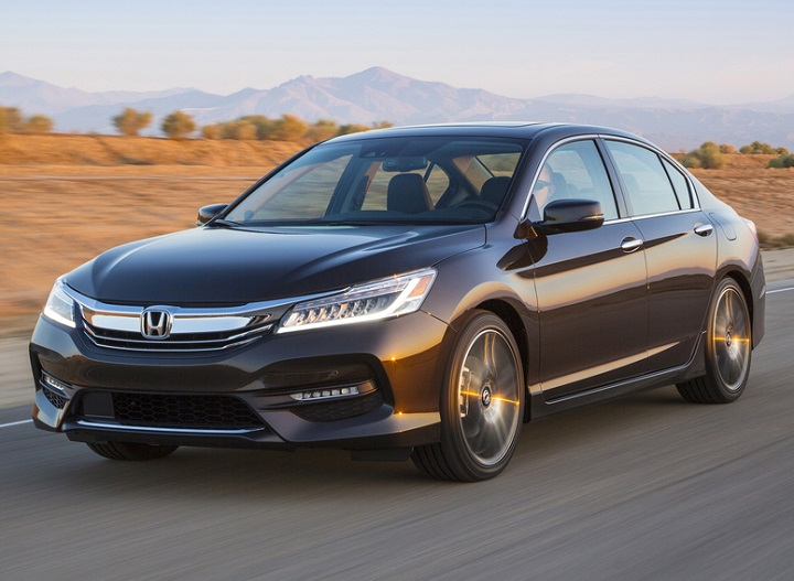 2017 Honda Accord Sedan Touring Front Quarter Left Photo