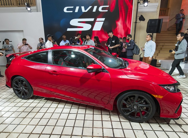 from live honda video los news angeles debut m show la and at hr details photos v auto