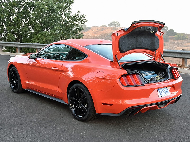 2016 Ford Mustang Trunk Photo