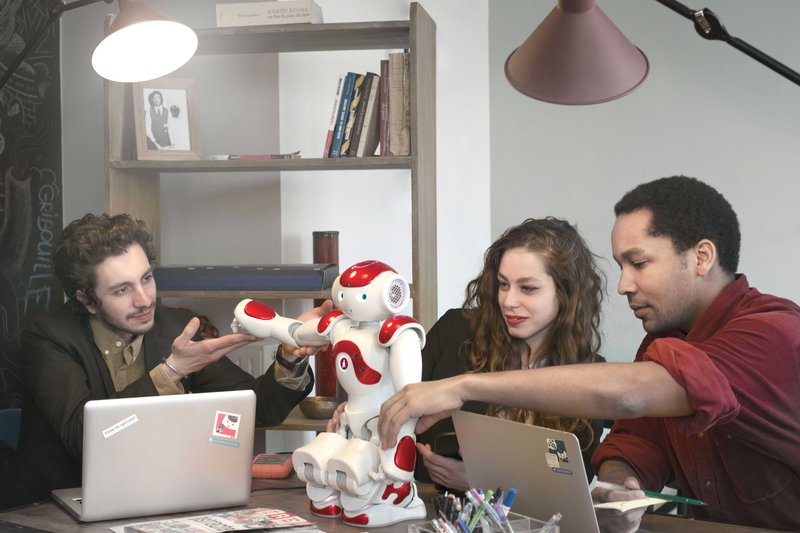 Adorable library robots will teach patrons to code