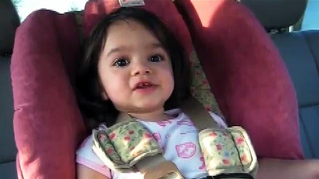 Adorable 2-year-old sings Pearl Jam