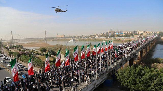 Trump waives Iran sanctions