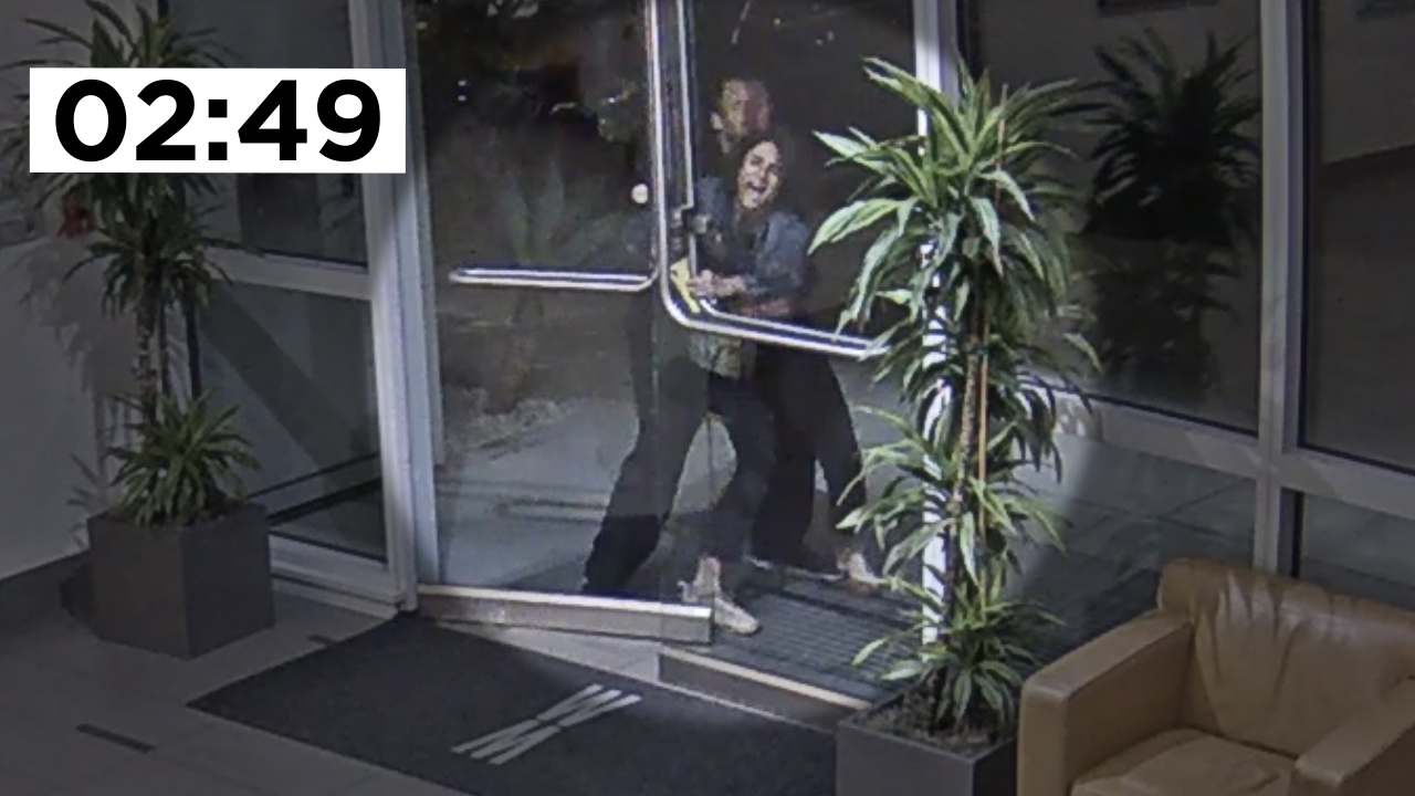 Video shows San Francisco woman trying to get inside apartment building for almost 3 minutes before attack