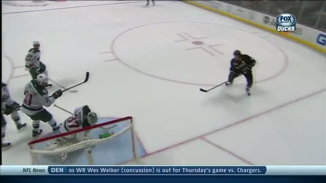 Josh Harding steals Selanne's shot with glove
