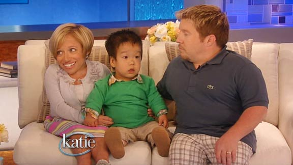 'The Little Couple' Nervously Await Adopted Son in Season 6 Premiere [Exclusive Video]