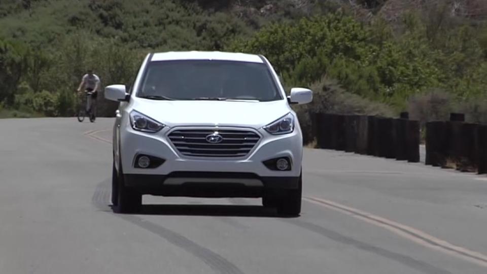 Hyundai's hydrogen fuel-cell car makes U.S. debut in California