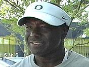 Oregon DL coach Ron Aiken