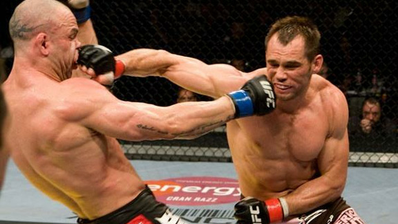 Rich Franklin scored a narrow victory over Wanderlei Silva in their first fight. (UFC)