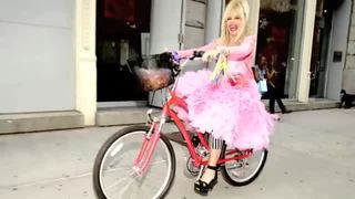 Betsey Johnsons Best Style Tip: Always Have Fun With Fashion, Dress to Entertain Yourself