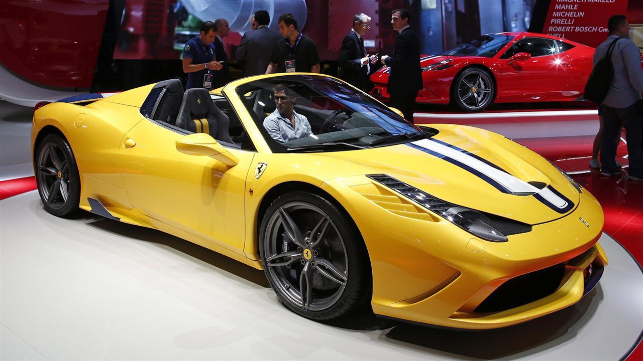 Paris Auto Show: Ferrari Speciale 458 A