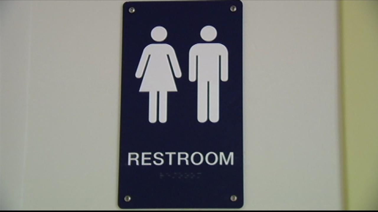 Texas judge temporarily blocks Obama's directive on transgender bathroom rights