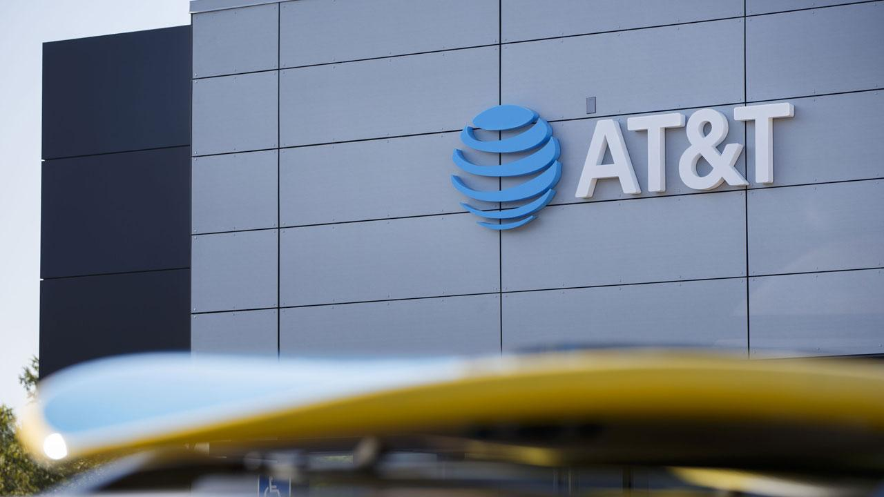 AT&T and Time Warner's Antitrust Trial Starts With Clashes Over 'Startling' Employee Admissions