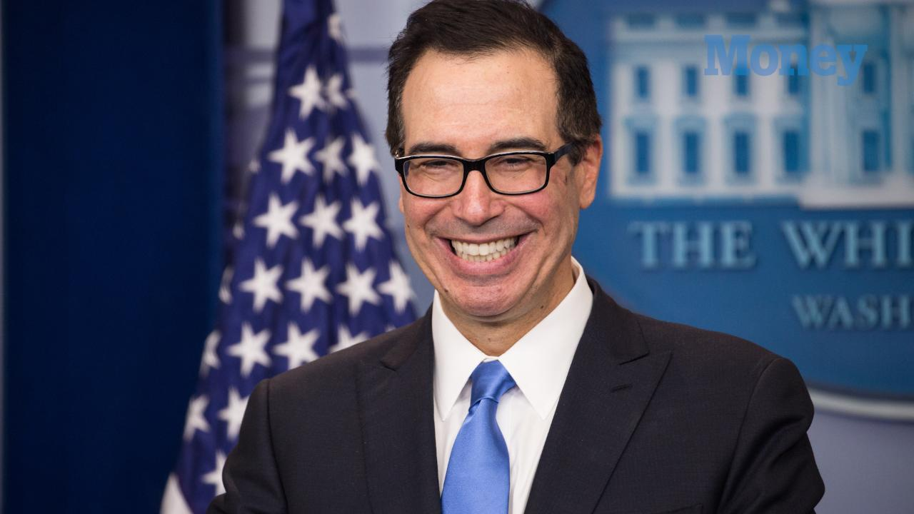 Here's How Much Steven Mnuchin and Louise Linton's Honeymoon Jet Would've Cost Taxpayers