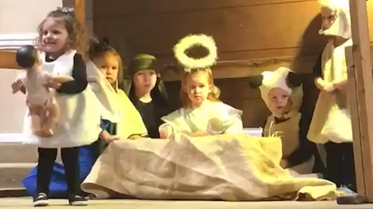2-Year-Old Steals Baby Jesus From Manger During Nativity Pageant