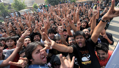 Metallica Fans in India Get Their Riot On After the Band Cancels Delhi Concert