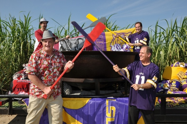 LSU and Alabama bond over a good cause, and the world's largest pot of gumbo
