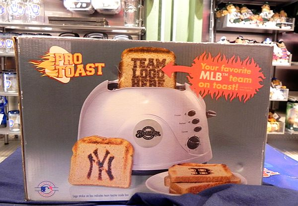 yankee_red_sox_toast