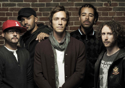 Incubus–Monuments and Melodies