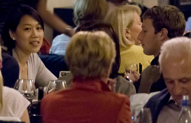 Zuckerberg and Chan dining out in Rome (XposurePhotos.com)