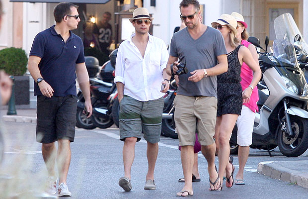 Ryan and his family and friends strolled through town. (DLM Press/PacificCoastNews.com)