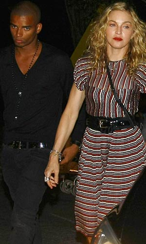 That night, the couple headed into town for dinner. - Splash News