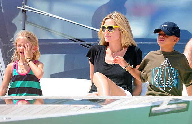 The 38-year-old kicks back with her little ones. - Chroma Press/Splash News