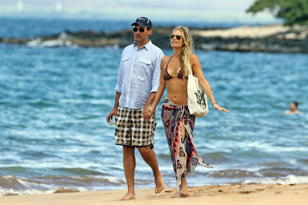 Molly Sims and her new husband, Scott Stuber, enjoy a sun-soaked honeymoon in Maui. - Dave/Splash News