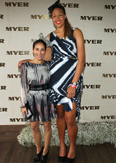 Liz Campage (right) with former Australian freestyle skier Lydia Lassala (Getty Images)