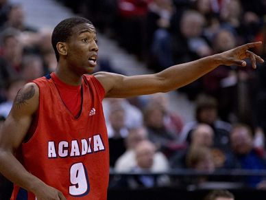 Tyler Scott hit 7 three-pointers in Acadia's win on Friday (Chris Roussakis for Yahoo! Canada Sports)
