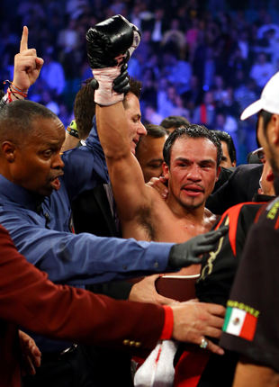 Juan Manuel Marquez celebrates (Getty)
