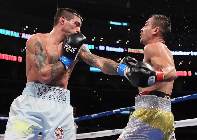 Lucas Matthysse (L) is expected to meet Lamont Peterson on May 18 in Atlantic City (Getty)