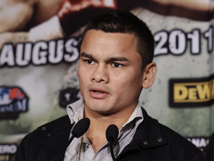 Marcos Maidana is likely to meet Adrien Broner next (AP)