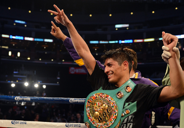 Abner Mares will challenge Daniel Ponce de Leon on May 4 on the Mayweather-Guerrero undercard (Getty)
