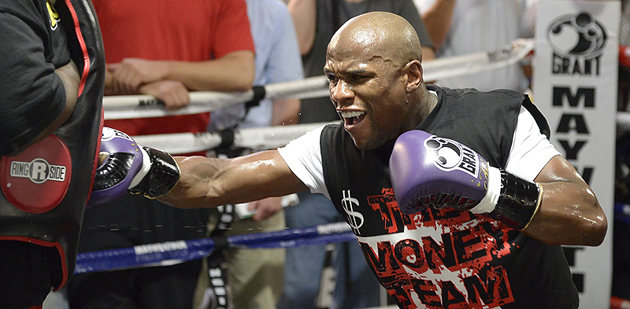 Floyd Mayweather prepares for his May 5 (Hoganphotos/Golden Boy Promotions)