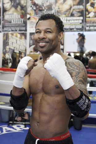 Shane Mosley used PEDs before a 2003 fight with Oscar De La Hoya (AP)