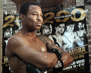 Shane Mosley is 47-8-1 with 39 KOs (AP)