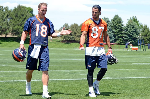 Coach Manning educating Decker on the dos and don'ts. (USP)