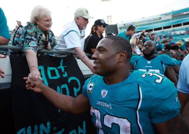 Even centenarians love them some MJD. (USP)