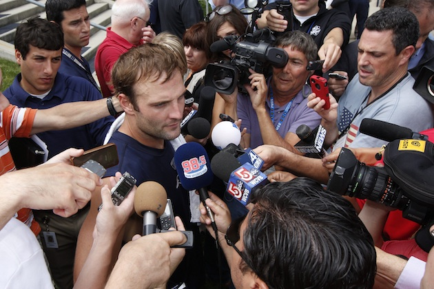 In the Noise's mind, these guys aren't the only ones with questions about Welker. (USP)