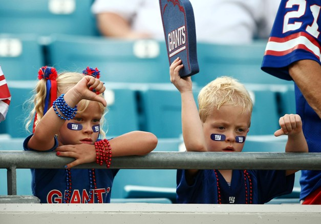 Instilling hatred for rival teams starts early for NFL fans. (USP)