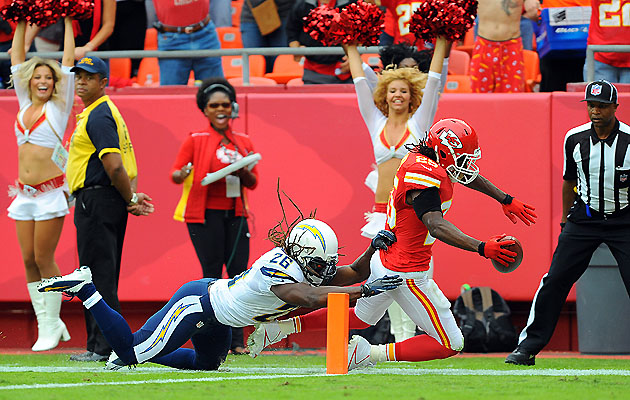 Jamaal Charles breaks the plane (US Presswire)